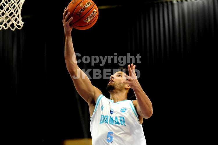 GRONINGEN - FIBA Basketbal-bubbel. Donar - Allianz Swans Gmunden seizoen 2021-2022, 29-09-2021,  Donar speler Leon Williams