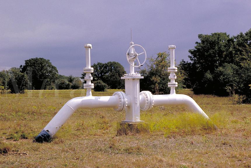 Petroleum industry ; oil ; delivery ; pipeline ; valve ;. Houston Texas.