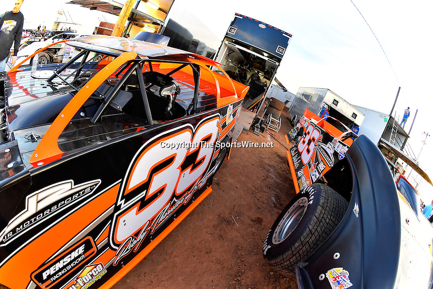 Jan 7, 2017; 5:03:01 PM; QUEEN CREEK, AZ., USA; 11th Annual Keyser Manufacturing Wild West Shootout at Arizona Speedway presented by O'Reilly Auto Parts. Mandatory Credit: (thesportswire.net)