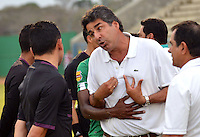 MONTERIA -COLOMBIA, 28-MARZO-2015.  Santiago Escobar director tecnico de La Equidad reacciona  durante partido  por la fecha 12 entre Jaguares FC   y La Equidad  por la fecha 12 de la Liga Aguila I-2015, en el estadio Municipal de Monteria de la ciudad de Monteria. / Santiago Escobar coach of La Equidad  reacts during match  of the 12 date between Jaguares FC and La Equidad  for the Liga Aguila I -2015 at Municipal of  Monteria  Stadium of  in Monteria  city, Photo: VizzorImage / Jose Perdomo   / Stringer