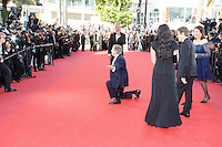 Willem Dafoe William Friedkin Sherry Lansing Giada Colagrende sur le tapis rouge pour la projection du film 'Bacalaureat' lors du 69ème Festival du Film à Cannes le jeudi 19 mai 2016.