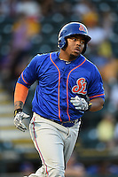 St. Lucie Mets first baseman Dominic Smith (22) runs to first during a game against the Bradenton Marauders on April 11, 2015 at McKechnie Field in Bradenton, Florida.  St. Lucie defeated Bradenton 3-2.  (Mike Janes/Four Seam Images)
