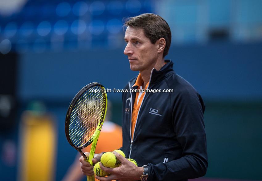 Bratislava, Slovenia, April 23, 2017,  FedCup: Slovakia-Netherlands, Practise Dutch team, captain Paul Haarhuis<br /> Photo: Tennisimages/Henk Koster