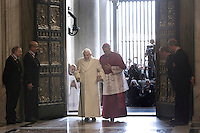 Il Papa Emerito Benedetto XVI, accompagnato da Monsignor Georg Gaenswein, varca la Porta Santa aperta da Papa Francesco in occasione dell'inizio ufficiale del Giubileo della Misericordia, nella Basilica di San Pietro, Citta' del Vaticano, 8 dicembre 2015.<br /> Pope Emeritus Benedict XVI, accompanied by Monsignor Georg Gaenswein, enters the Holy Door opened by Pope Francis on the occasion of the start of the Jubilee of Mercy, on St. Peter's Basilica at the Vatican, 8 December 2015.<br /> UPDATE IMAGES PRESS/Giagnori Bonotto<br /> <br /> STRICTLY ONLY FOR EDITORIAL USE