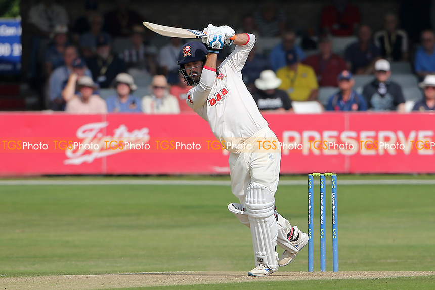 Shane Snater in batting action for Essex during Essex CCC vs Gloucestershire CCC, LV Insurance County Championship Division 2 Cricket at The Cloudfm County Ground on 6th September 2021