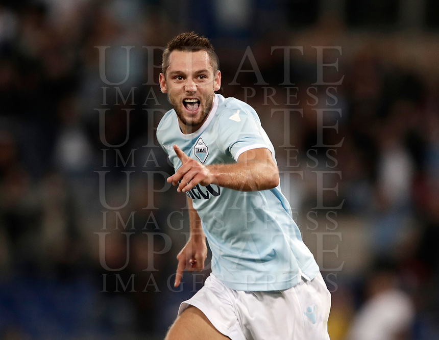 Calcio, Serie A: Roma, stadio Olimpico, 20 settembre 2017.<br /> Lazio's Stefan De Vrij celebrates after scoring during the Italian Serie A football match between Lazio and Napoli at Rome's Olympic stadium, September 20, 2017.<br /> UPDATE IMAGES PRESS/Isabella Bonotto