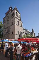 Europe/Europe/France/Midi-Pyrénées/46/Lot/Cahors: Marché devant la Cathédrale Saint-Etienne