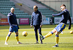 Hibs v St Johnstone…01.05.21  Easter Road. SPFL<br />Coach Alec Cleland talking with Chris Kane during the pre match warm up<br />Picture by Graeme Hart.<br />Copyright Perthshire Picture Agency<br />Tel: 01738 623350  Mobile: 07990 594431