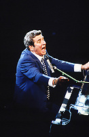 Gilbert BECAUD<br /> 1998/11<br /> Olympia PARIS<br /> Credit : Siaud/DALLE