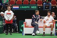 10-02-12, Netherlands,Tennis, Den Bosch, Daviscup Netherlands-Finland, Robin Haase  op de bank met captain Jan Siemerink
