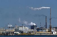 - industrial zone of Porto Marghera, IP refinery<br /> <br /> - zona industriale di Porto Marghera, raffineria IP