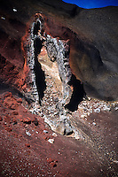 A close look into the Red Crater - Tongariro National Park New Zealand