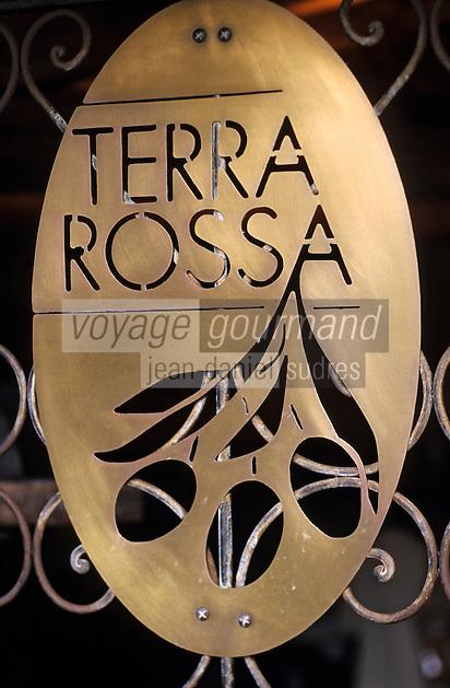 """Europe/France/Corse/2A/Corse-du-Sud/Porto-Vecchio: Enseigne du magasin d'huile d'olive """"Terra Rossa"""" [Non destiné à un usage publicitaire - Not intended for an advertising use]"""