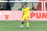 FOXBOROUGH, MA - OCTOBER 3: Dax McCarty #6 of Nashville SC passes the ball during a game between Nashville SC and New England Revolution at Gillette Stadium on October 3, 2020 in Foxborough, Massachusetts.