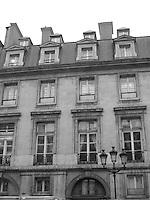 Classic Paris (B&W)