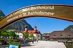 Deutschland, Bayern, Berchtesgadener Land: Wallfahrtskirche St. Bartholomae am Koenigssee im Nationalpark Berchtesgaden | Germany, Bavaria, Upper Bavaria, Berchtesgadener Land: pilgrimage church St. Bartholomae at lake Koenigssee in National Park Berchtesgadenand