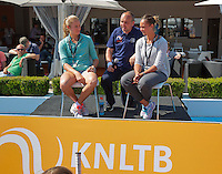 Netherlands, Rosmalen , June 10, 2015, Tennis, Topshelf Open, Autotron, Kidsday, Kids press conference with Indy de Vroome and Lesley Kerkhove (NED)<br /> Photo: Tennisimages/Henk Koster