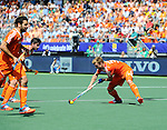 The Hague, Netherlands, June 13: Mink van der Weerden #30 of The Netherlands tries to score a penalty corner during the field hockey semi-final match (Men) between The Netherlands and England on June 13, 2014 during the World Cup 2014 at Kyocera Stadium in The Hague, Netherlands. Final score 1-0 (1-0)  (Photo by Dirk Markgraf / www.265-images.com) *** Local caption ***