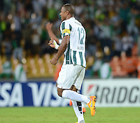 MEDELLIN -COLOMBIA-15-MAYO-2015. Alexis Henriquez del Atletico Nacional de Colombia celebra su gol contra   el Emelec de Ecuador que se clasifico a la siguente ronda de La Copa Bridgestone Libertadores de America  ,  partido de vuelta por los octavos de final jugado  en el estadio Atanasio Girardot de la ciudad de Medellin . / Alexis Henriquez   player of  Atletico Nacional of Colombia celebrates his goal against of   Emelec of Ecuador who qualified to the round of the Bridgestone  Copa Libertadores second leg of the second round played in the Atanasio Girardot stadium in the city of Medellin.Photo: VizzorImage / Leon Monsalve / STR