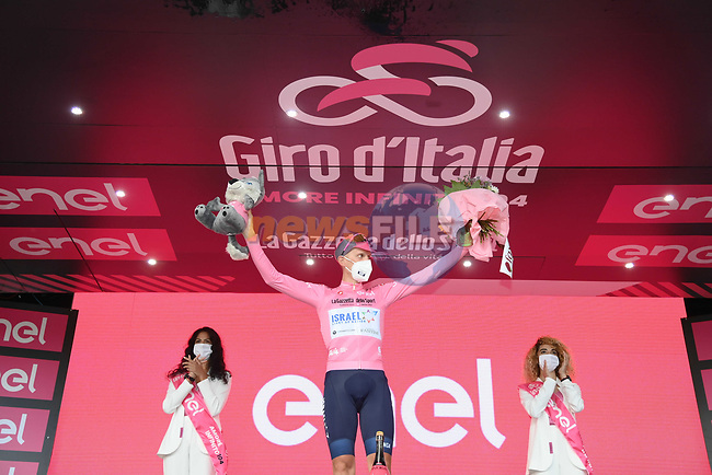 Race leader Alessandro De Marchi (ITA) Israel Start-Up Nation retains the Maglia Rosa at the end of Stage 5 of the 2021 Giro d'Italia, running 177km from Modena to Cattolica, Italy. 12th May 2021.  <br /> Picture: LaPresse/Gian Mattia D'Alberto | Cyclefile<br /> <br /> All photos usage must carry mandatory copyright credit (© Cyclefile | LaPresse/Gian Mattia D'Alberto)