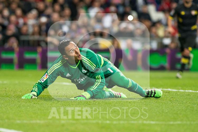 Real Madrid's Keylor Navas stops the penalty during La Liga match. March 20,2016. (ALTERPHOTOS/Borja B.Hojas)