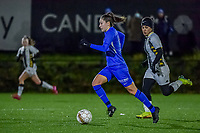 Genk's forward Gwen Duijsters (13) pictured during a female soccer game between Sporting Charleroi and KRC Genk Ladies on the 9th matchday of the 2020 - 2021 season of Belgian Scooore Womens Super League , friday 11 th of December 2020  in Marcinelle , Belgium . PHOTO SPORTPIX.BE | SPP | STIJN AUDOOREN