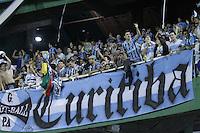 CURITIBA, PR, 22 DE AGOSTO DE 2012 – CORITIBA X GRÊMIO – Torcida do Grêmio durante jogo contra o Coritiba válido pela Copa Sul-Americana. A partida aconteceu na noite de quarta-feira (22), no Estádio Couto Pereira, em Curitiba. (FOTO: ROBERTO DZIURA JR./ BRAZIL PHOTO PRESS)