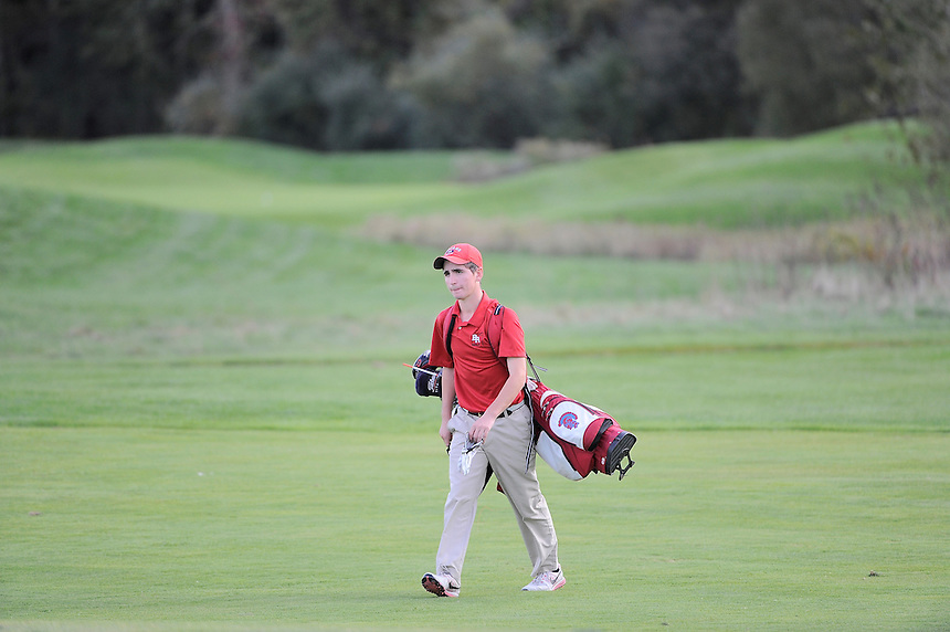 Thursday, October 13, 2016: March play between Bridgewater Raynham and Durfee high schools at Olde Scotland Links, Bridgewater Mass. Eric Canha/BridgewaterSports.com