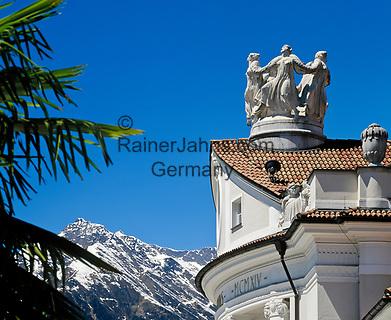 Italien, Suedtirol, Meran: Skulptur auf dem Dach des Kurhauses | Italy, South-Tyrol, Alto Adige, Merano: sculture on roof of health resort building