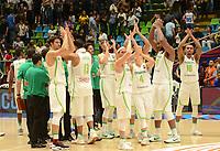 MEDELLÍN - COLOMBIA, 25-08-2017: Jugadores de Brasil celebran después del partido entre Brasil y Colombia de la fase de grupos, grupo A, de la FIBA AmeriCup 2017 jugado en el coliseo Iván de Bedout de la ciudad de Medellín.  El AmeriCup 2017 se juega  entre el 25 de agosto y el 3 de septiembre de 2017 en Colombia, Argentina y Uruguay. / Players of Brazil celebrate after the match between Brazil and Colombia of the group stage Group A of the FIBA AmeriCup 2017 played at Ivan de Bedout  coliseum in Medellin. The AmeriCup 2017 is played between August 25 and September 3, 2017 in Colombia, Argentina and Uruguay. Photo: VizzorImage / León Monsalve / Cont