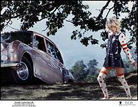 Prod DB © Capitole Films / DR<br /> FANTASIA CHEZ LES PLOUCS (FANTASIA CHEZ LES PLOUCS) de GÈrard PirËs 1971 FRA<br /> avec Mireille Darc<br /> pop, accident de voiture,
