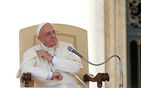 Papa Francesco tiene l'udienza generale del mercoledi' in Piazza San Pietro, Citta' del Vaticano, 3 settembre 2014.<br /> Pope Francis attends his weekly general audience in St. Peter's Square at the Vatican, 3 September 2014.<br /> UPDATE IMAGES PRESS/Isabella Bonotto<br /> <br /> STRICTLY ONLY FOR EDITORIAL USE