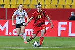 v.li.: Laura Deloose (Belgien, 22) am Ball, Aktion, Action, DIE DFB-RICHTLINIEN UNTERSAGEN JEGLICHE NUTZUNG VON FOTOS ALS SEQUENZBILDER UND/ODER VIDEOÄHNLICHE FOTOSTRECKEN. DFB REGULATIONS PROHIBIT ANY USE OF PHOTOGRAPHS AS IMAGE SEQUENCES AN/OR QUASI-VIDEO., 21.02.2021, Aachen (Deutschland), Fussball, Länderspiel Frauen, Deutschland - Belgien <br /> <br /> Foto © PIX-Sportfotos *** Foto ist honorarpflichtig! *** Auf Anfrage in hoeherer Qualitaet/Aufloesung. Belegexemplar erbeten. Veroeffentlichung ausschliesslich fuer journalistisch-publizistische Zwecke. For editorial use only.