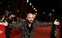 Il cantante dei gruppi musicale Negramaro Giuliano Sangiorgi posa durante il red carpet di presentazione del film 'Negramaro. L'anima vista da qui' alla 14^ Festa del Cinema di Roma all'Aufditorium Parco della Musica di Roma, 25 ottobre 2019. <br /> Giuliano Sangiorgi, member of Italian band Negramaro, poses on the red carpet to present the movie 'Negramaro. L'anima vista da qui' during the 14^ Rome Film Fest at Rome's Auditorium, on 25 October 2019.<br /> UPDATE IMAGES PRESS/Isabella Bonotto