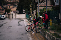 Heartwarming mid-race scene: Bauke Mollema (NED/Trek-Segafredo) is dropped from the main group & getting to the finish solo when he suddenly stops by the side of the road as he sees his wife & kids there to give them a kiss.<br /> <br /> 76th Paris-Nice 2018<br /> Stage 8: Nice > Nice (110km)