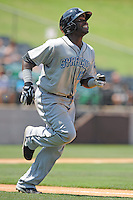 Syracuse Chiefs Leonard Davis during a game vs. the Charlotte Knights at Knights Stadium in Fort Mill, South Carolina June 13, 2010.  Syracuse defeated Charlotte by the score of 3-2.  Photo By Tony Farlow/Four Seam Images