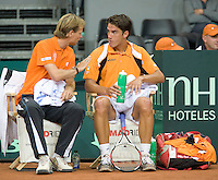 19-9-08, Netherlands, Apeldoorn, Tennis, Daviscup NL-Zuid Korea, Seccond rubber  Jesse Huta Galung  and captain Jan Siemerink on the Dutch bench
