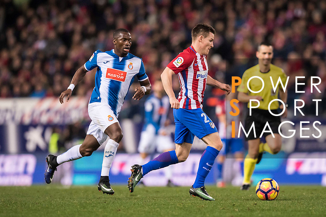 Kevin Gameiro of Atletico de Madrid is followed by Papakouli Diop of RCD Espanyol during the La Liga match between Atletico de Madrid and RCD Espanyol at the Vicente Calderón Stadium on 03 November 2016 in Madrid, Spain. Photo by Diego Gonzalez Souto / Power Sport Images