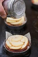 Europe/France/Bretagne/56/Morbihan/ Belle-Ile-en-Mer: - Kouign Amann à la pomme et son sorbet bière blanche:La Morgate, recette de Christophe Didoune de  l'Hotel-Restaurant   Roz-Avel
