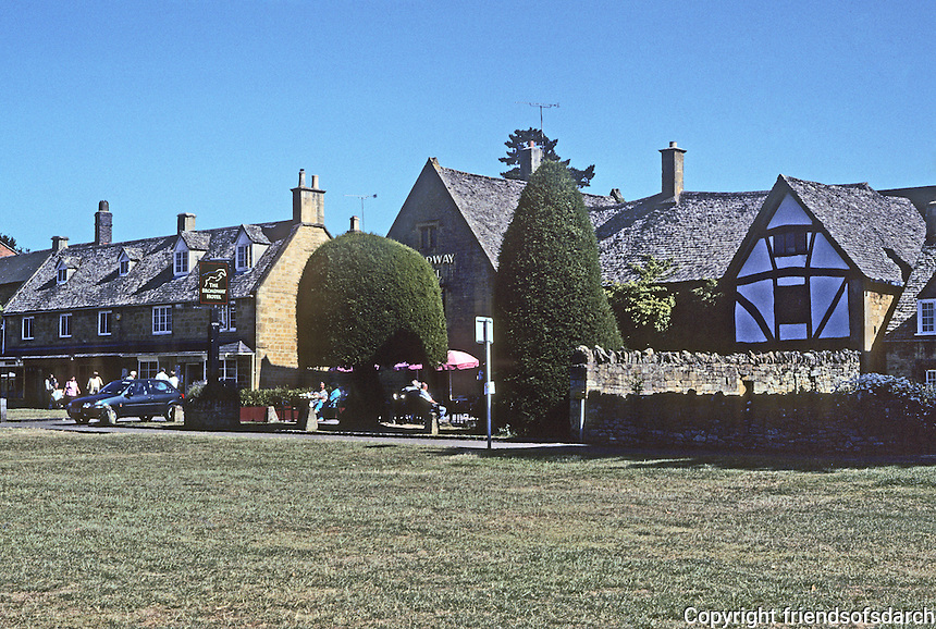 Broadway: Worcestershire--On the South side, one house is of half-timbered--perhaps Tudor--rather than limestone. Photo '05.