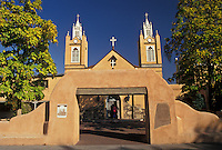AJ3872, Albuquerque, church, Old Town, New Mexico, The 1706 San Felipe De Neri Church of Victorian and adobe architecture in downtown Albuquerque in the state of New Mexico.