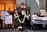 Mitt Romney and Barack Obama vist NYC