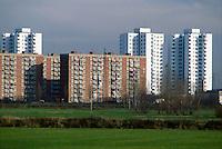 - palazzi per abitazione nel quartiere Gratosoglio....- residence buildings in the Gratosoglio district..