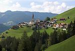 Italy, South Tyrol, Alto Adige, Dolomites, near San Vigilio di Marebbe, Pieve di Marebbe: pilgrimage church, at Valle di Tamores, tributary valley of Val Badia