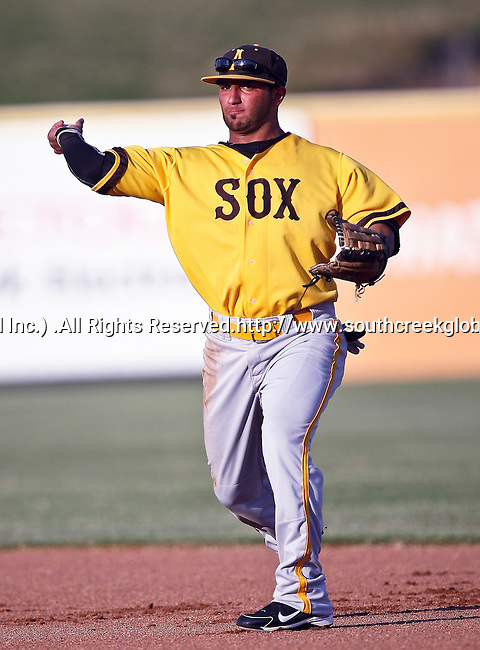 Amarillo Sox Infielder Matthew Tucker (9) in action during the American Association of Independant Professional Baseball game between the Amarillo Sox and the Fort Worth Cats at the historic LaGrave Baseball Field in Fort Worth, Tx. Fort Worth defeats Amarillo 3 to 0......