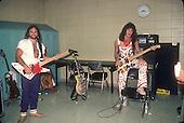 VAN HALEN, LIVE, BACKSTAGE, SOUNDCHECK, 1982, NEIL ZLOZOWER