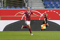 celebrate the goal, Torjubel zum 1:0 Tabea Waßmuth (Deutschland, Germany)6 - 10.04.2021 Wiesbaden: Deutschland vs. Australien, BRITA Arena, Frauen, Freundschaftsspiel
