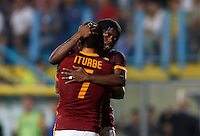 Calcio, Serie A: Frosinone vs Roma. Frosinone, stadio Comunale, 12 settembre 2015.<br /> Roma's Juan Iturbe, left, celebrates with teammate Gervinho after scoring during the Italian Serie A football match between Frosinone and Roma at Frosinone Comunale stadium, 12 September 2015. Roma won 2-0.<br /> UPDATE IMAGES PRESS/Riccardo De Luca