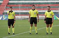 TULUA - COLOMBIA, 14-03-2021: Jheison Abril Ricaurte, árbitro, durante partido por la fecha 11 como parte del Torneo BetPlay DIMAYOR I 2021 entre Cortuluá y Llaneros F.C. jugado en el estadio Doce de Octubre de la ciudad de Tuluá. / Jheison Abril Ricaurte, referee, during a match for the date 11 as part of BetPlay DIMAYOR Tournament I 2021 between Cortulua and Llaneros F.C. played at Doce de Octubre stadium in Tulua city. Photo: VizzorImage / Samir Rojas / Cont
