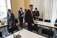 Sondersitzung Innenausschuss des Berliner Abgeordnetenhauses am Montag den 17. September 2018.<br /> Die Oppositionsfraktionen CDU und FDP hatten die Sitzung beantragt, da sie die Ernennung der frueheren Polizei-Vizepraesidentin Margarete Koppers zur Generalstaatsanwaeltin scharf kritisieren. Dem InnensenatorAndreas Geisel (SPD) wird vorgeworfen, ein Disziplinarverfahren gegen die fruehere Polizei-Vizepraesidentin unterbunden zu haben. Gegen Koppers laufen Ermittlungen Wegen der vergifteten Polizei-Schiessstaende. Ihr wird vorgeworfen, als Polizei-Vizepraesidentin zu wenig gegen die schadstoffbelasteten Schiessstaende getan zu haben. Erst Anfang September starb ein Schiesstrainer.<br /> Im Bild: Innensenator Andreas Geisel.<br /> 17.9.2018, Berlin<br /> Copyright: Christian-Ditsch.de<br /> [Inhaltsveraendernde Manipulation des Fotos nur nach ausdruecklicher Genehmigung des Fotografen. Vereinbarungen ueber Abtretung von Persoenlichkeitsrechten/Model Release der abgebildeten Person/Personen liegen nicht vor. NO MODEL RELEASE! Nur fuer Redaktionelle Zwecke. Don't publish without copyright Christian-Ditsch.de, Veroeffentlichung nur mit Fotografennennung, sowie gegen Honorar, MwSt. und Beleg. Konto: I N G - D i B a, IBAN DE58500105175400192269, BIC INGDDEFFXXX, Kontakt: post@christian-ditsch.de<br /> Bei der Bearbeitung der Dateiinformationen darf die Urheberkennzeichnung in den EXIF- und  IPTC-Daten nicht entfernt werden, diese sind in digitalen Medien nach §95c UrhG rechtlich geschuetzt. Der Urhebervermerk wird gemaess §13 UrhG verlangt.]